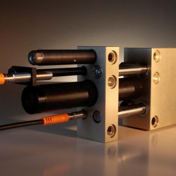 Linear Unit LEM-9-M-170-H-0-0-P with dampers