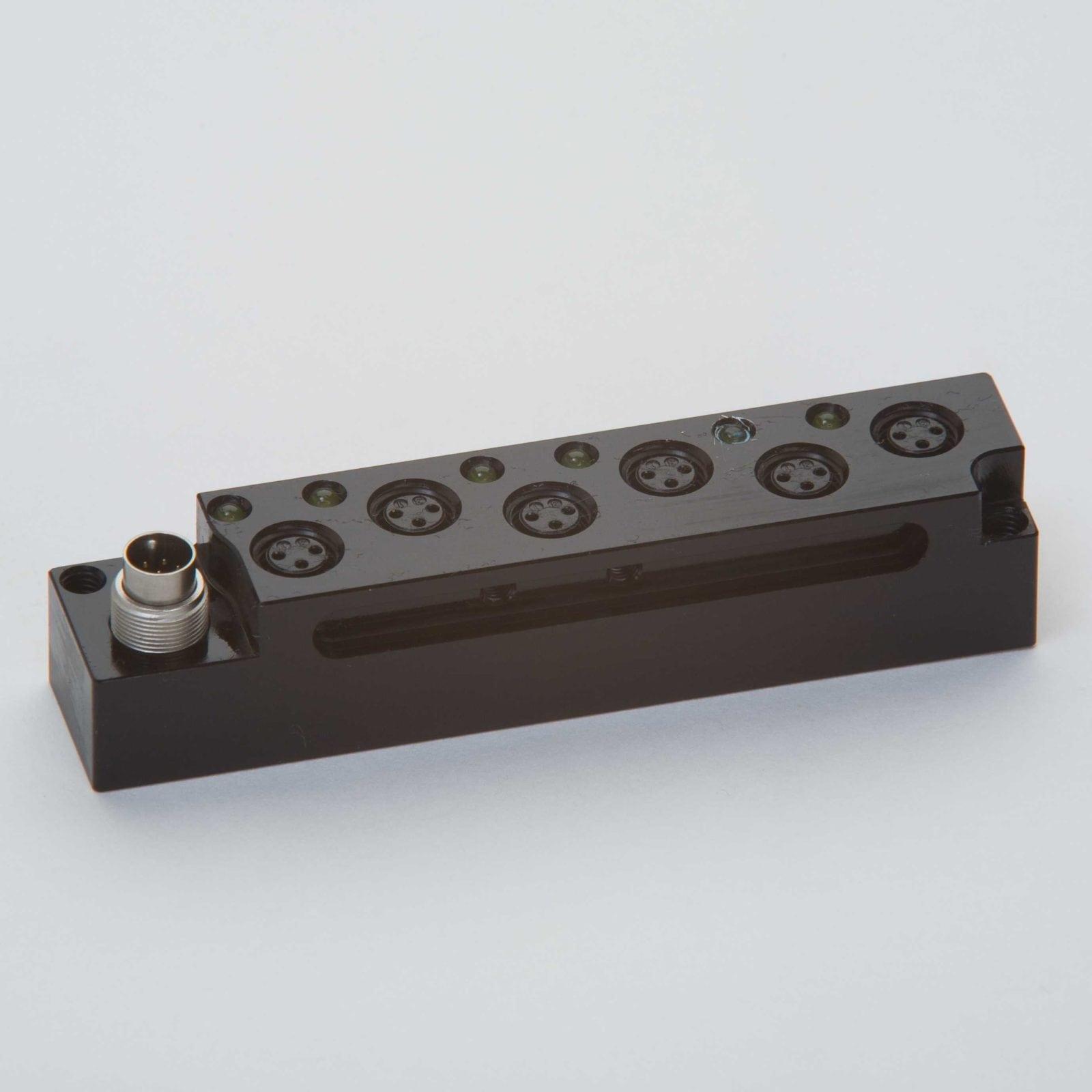 Kompakte passive Stecker-Leisten reduzieren Verkabelungsaufwand